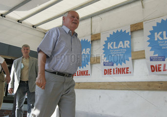 Bundestagswahlkampf 2005 - Wahlkampfveranstaltung der Partei Die Linke.PDS mit Oskar Lafontaine