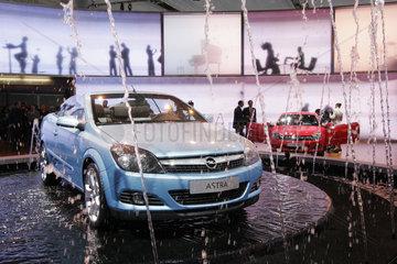 IAA 2005 - Opel Astra Twin Top Cabrio
