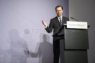 Dr. Thomas Middelhoff  Vorstandsvorsitzender KarstadtQuelle AG