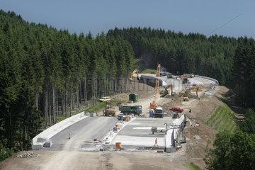 Weiterbau der Autobahn A 4 - Bagger