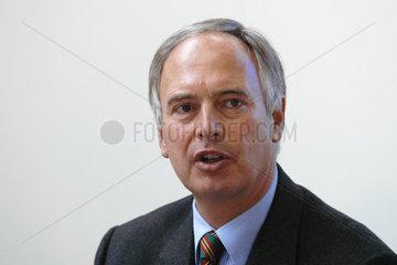 Dr.-Ing. Dr.-Ing. E.h. Hans-Peter Keitel  Vorstandsvorsitzender der Hochtief AG
