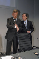 Kai-Uwe Ricke  Vorstandsvorsitzender der Telekom AG und Dr. Karl-Gerhard Eick  Finanzvorstand