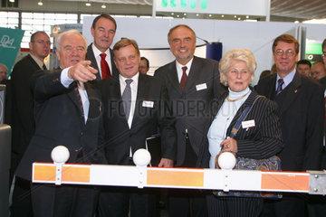 Eroeffnungsrundgang ueber die Messe railtec 2003