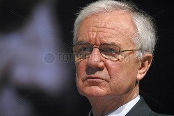 Bundesverkehrsminister Dr. Manfred Stolpe auf der railtec 2003