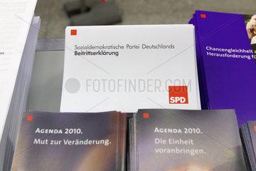 SPD Informationsmaterial zur Agenda 2010 und eine Beitrittserklaerung