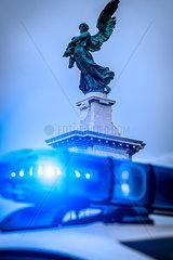 Blaulicht und Ponte Sant'Angelo  Gian Lorenzo Bernini
