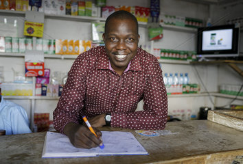 Apotheker in Kenia