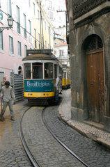 Portugal  Lissabon  Strassenbahn Linie 28