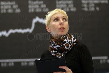Broker beim Aktienhandel an der Boerse Frankfurt