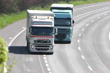 Knapper Abstand auf der Autobahn