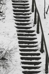 Stufen im Schnee