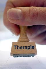 Therapie  Stempel  Symbolbild