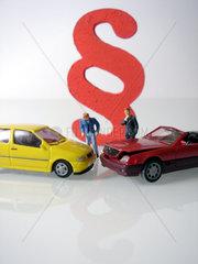 Symbolbild Rechtschutzversicherung fuer Autos