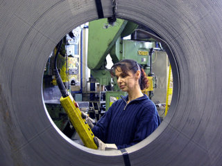 Industriearbeiterin