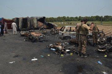 PAKISTAN-BAHAWALPUR-OIL TANKER-ACCIDENT