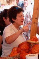 Wurstspezialitaet auf eine Messe in Andalusien