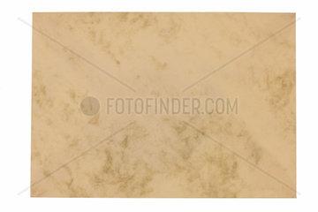 Leerer unbeschrifteter Briefumschlag aus marmoriertem Papier