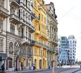 Schoen renovierte Haeuser in der Prager Altstadt