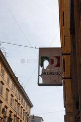 PD zerloecherte Schild in Rom