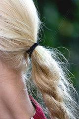 Blonder Zopf