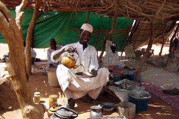 Haendler in Fluechtlingscamp im Tschad