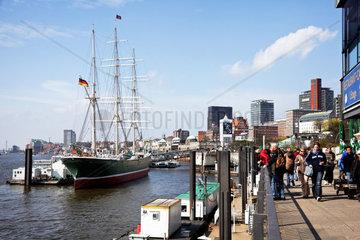Museumsschiff Rickmer Rickmers im Hafen von Hamburg in Deutschland  Europa