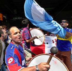 Argentinische Fussballfans vor dem Spiel Argentinien - Elfenbeinkueste bei der WM 2006