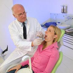 Zahn  Zaehne  Zahnarzt