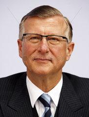 Prof. Dr. Edward G. Krubasik