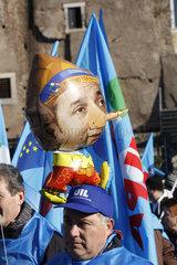 Renzi als Luftballon bei der Generalstreik in Rom