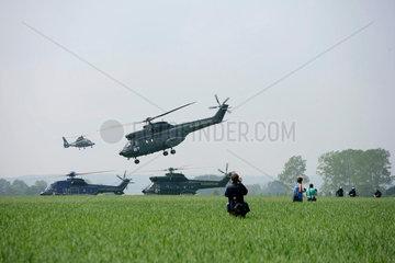 G8-Gipfel Heiligendamm: Hubschrauber landen in Feld