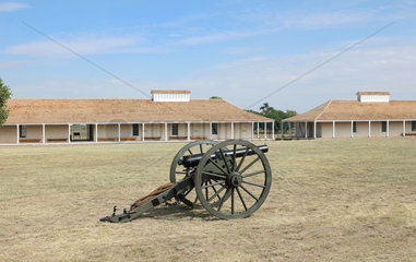 Cannon and Enlisted Men's Barracks  Fort Davis National Historic Site  Texas  USA