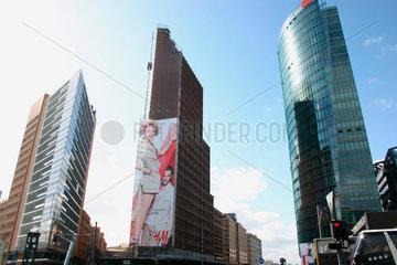 HM Fassadenwerbung am Potsdamer Platz