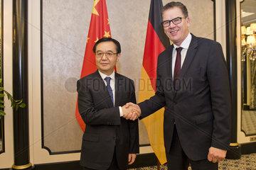 BM Mueller trifft Handelsminister von China