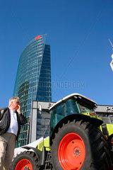 Traktor am Potsdamer Platz