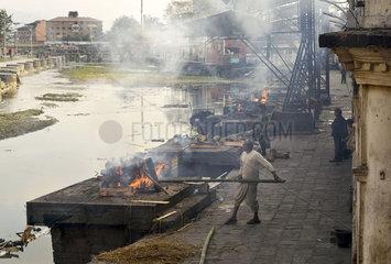 Leichenverbrennung in Pashupatinath  Nepal