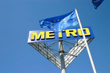 Europaeisches Flagge und Metro