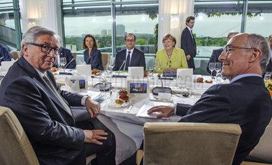 Juncker + Hollande + Merkel + Potier