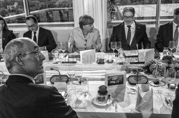 Potier + Hollande + Merkel + Roeller
