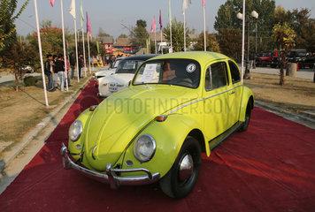INDIA-KASHMIR-SRINAGAR-VINTAGE CAR EXHIBITION