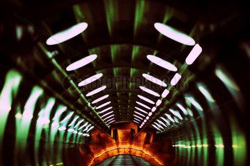 Verbindungsroehre im Atomium