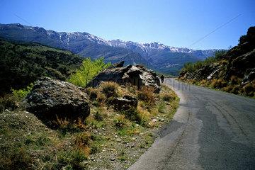 Strasse durch die Sierra Nevada