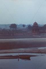 Blick vom Taj Mahal auf den Fluss Yamuna