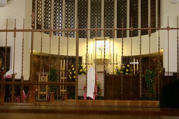Berlin - Zwei Nonne der Anbetungskloster St.Gabriel beim Beten