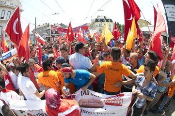 Pro-Erdogan Demonstration in Wien
