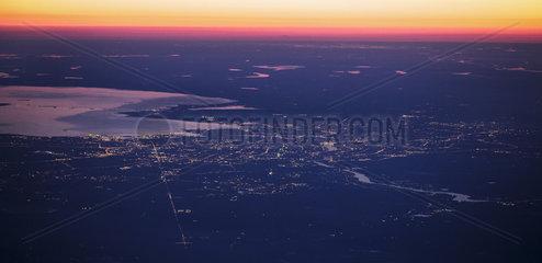 Sankt Petersburg bei Nacht