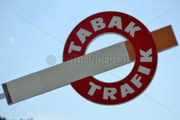 Zigarette mit Symbol fuer Tabak-Trafik