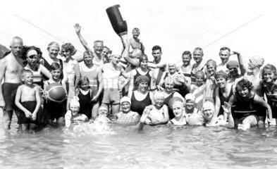 Grosse Gruppe im Wasser