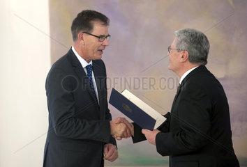 Mueller + Gauck