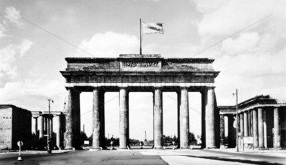 D-Berlin Brandenburger Tor 1788-1791 erbaut 1794 mit Quadriga von Schadow